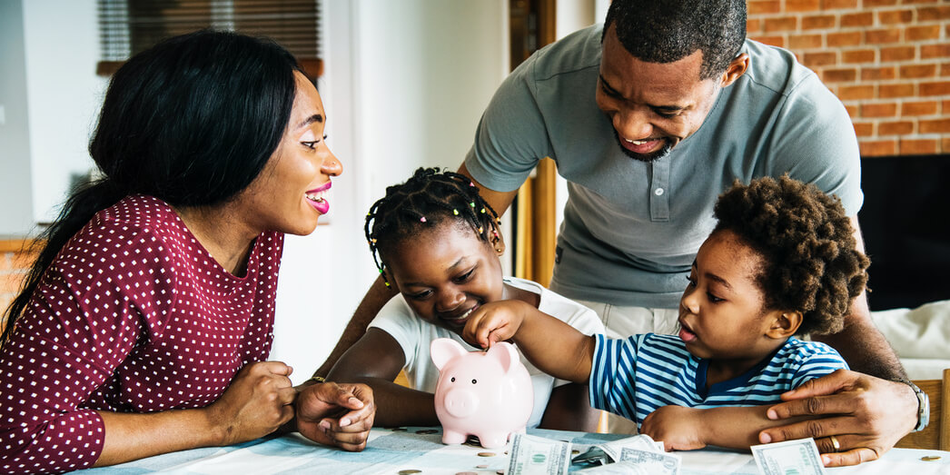 10 Tips to Teach Your Child to Save Money